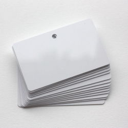 Cartes PVC perforées horizontales, format 86x54mm, ép. 0,50mm