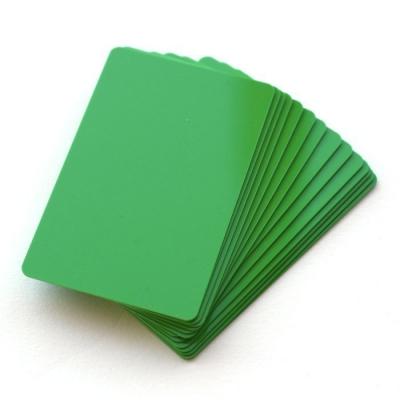 Cartes PVC format 86 x 54 mm teintées dans la masse, vert