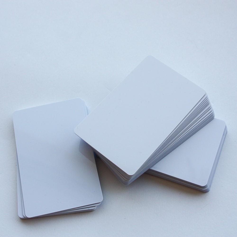 Cartes platiques et badges PVC blancs - Cardalis
